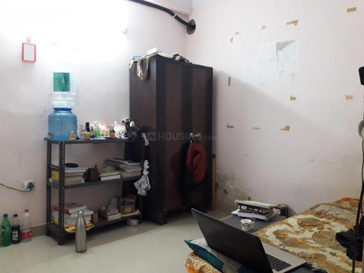 पटेल नगर में स्काइ पीजी के बेडरूम की तस्वीर