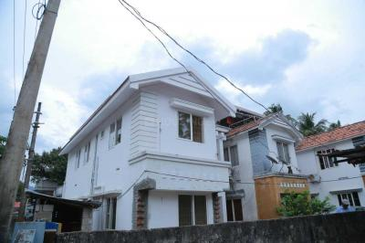 Gallery Cover Image of 1590 Sq.ft 3 BHK Villa for buy in Kalpathy for 5500000