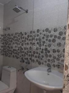 Bathroom Image of PG 6858424 Karampura in Karampura