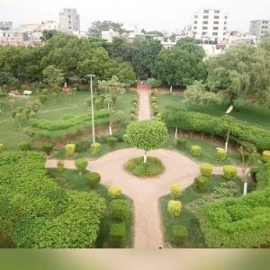 Gallery Cover Image of 1400 Sq.ft 3 BHK Independent House for buy in DLF Phase 3 for 11000000
