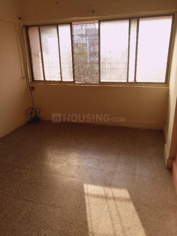 Living Room Image of 350 Sq.ft 1 RK Apartment for rent in Kandivali East for 12500