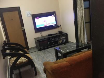 Gallery Cover Image of 575 Sq.ft 1 BHK Apartment for rent in Malad East for 30000
