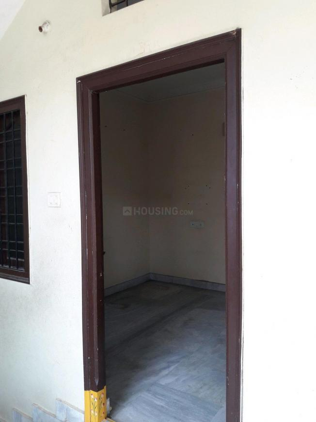 Main Entrance Image of 500 Sq.ft 1 BHK Apartment for rent in Erragadda for 7500