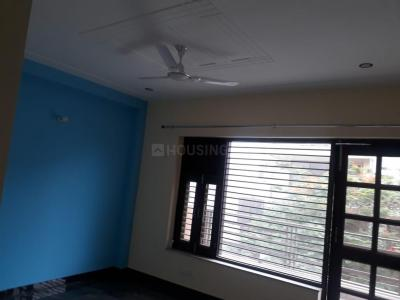 Gallery Cover Image of 1150 Sq.ft 3 BHK Apartment for rent in Sector 52 for 27000