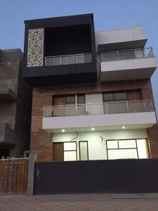 Gallery Cover Image of 1480 Sq.ft 2 BHK Independent House for rent in DLF Phase 2 for 40000