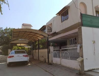 Gallery Cover Image of 3600 Sq.ft 4 BHK Independent House for buy in Ambawadi for 60000000