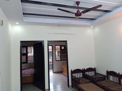 Gallery Cover Image of 650 Sq.ft 1 BHK Independent Floor for rent in Shalimar Bagh for 13000