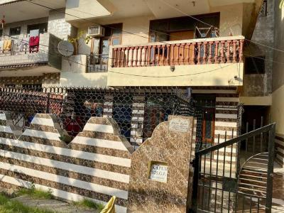 Gallery Cover Image of 1600 Sq.ft 3 BHK Independent House for rent in Ibadullapur Urf Badalpur for 18000