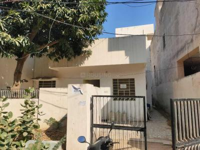 Gallery Cover Image of 750 Sq.ft 3 BHK Independent House for rent in Makadwali for 12000