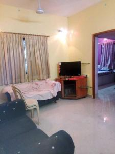 Gallery Cover Image of 800 Sq.ft 2 BHK Apartment for rent in Velachery for 22000