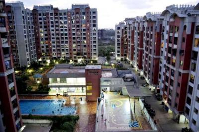 Gallery Cover Image of 585 Sq.ft 1 BHK Apartment for buy in Malad West for 9500000