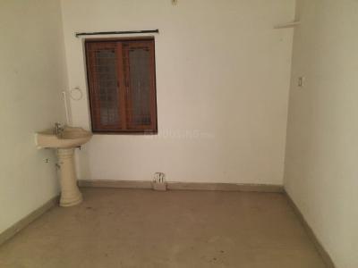 Gallery Cover Image of 800 Sq.ft 2 BHK Apartment for rent in Lakshmi Nilayam, Pragathi Nagar for 9500