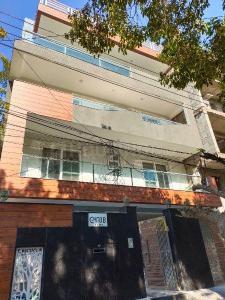 Building Image of Luxury Girls' PG in Sushant Lok I