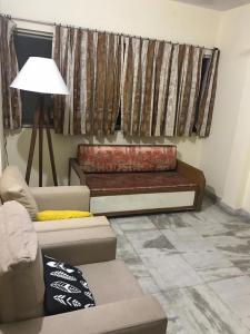 Gallery Cover Image of 650 Sq.ft 1 BHK Apartment for buy in Mulund East for 12000000