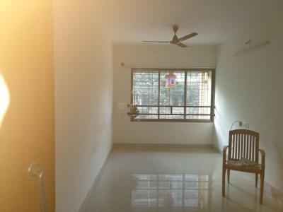 Gallery Cover Image of 475 Sq.ft 1 BHK Apartment for rent in Dadar West for 45000