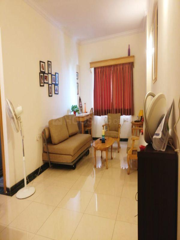 Living Room Image of 550 Sq.ft 1 BHK Apartment for rent in Bandra West for 60000