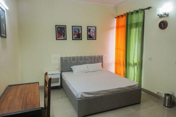 पीजी नियर साइबर सिटी इन डीएलएफ़ फेज 3 के बेडरूम की तस्वीर