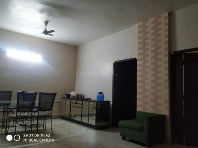 Gallery Cover Image of 1800 Sq.ft 3 BHK Apartment for rent in Mansarovar, Park Street Area for 80000
