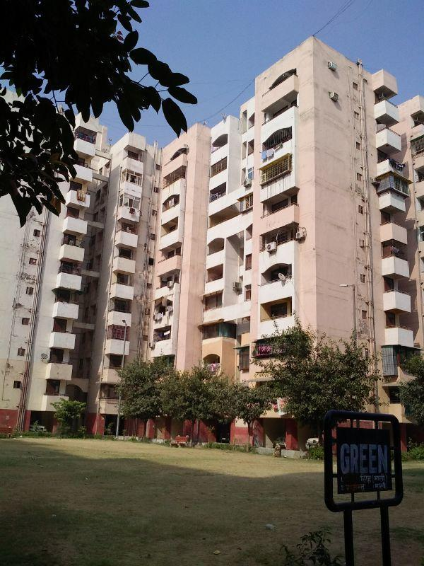 Building Image of 1450 Sq.ft 3 BHK Apartment for rent in Jasola Vihar for 28000