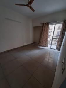 Gallery Cover Image of 950 Sq.ft 2 BHK Apartment for rent in Panchsheel Greens, Noida Extension for 6500