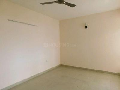 Living Room Image of 1125 Sq.ft 2 BHK Apartment for buy in Sethi Max Royal, Sector 76 for 5500000