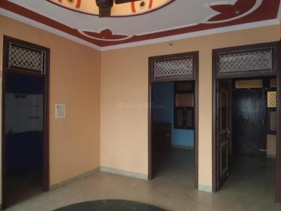 Gallery Cover Image of 950 Sq.ft 2 BHK Independent Floor for rent in Naya Ganj for 15000