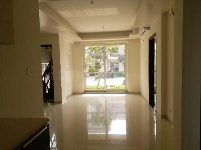 Gallery Cover Image of 1103 Sq.ft 3 BHK Independent Floor for buy in BPTP Parklands Pride, Sector 77 for 5100000