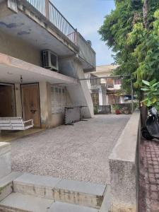 Gallery Cover Image of 1080 Sq.ft 2 BHK Independent House for buy in Naranpura for 25000000