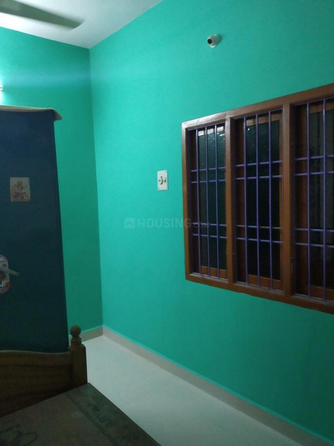 Bedroom Image of 900 Sq.ft 2 BHK Villa for rent in Thirumullaivoyal for 8000