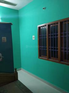 Gallery Cover Image of 900 Sq.ft 2 BHK Villa for rent in Thirumullaivoyal for 8000
