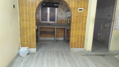 Gallery Cover Image of 1000 Sq.ft 2 BHK Apartment for rent in Tollygunge for 8500