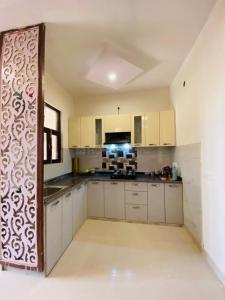 Gallery Cover Image of 1000 Sq.ft 3 BHK Villa for buy in Noida Extension for 3750000
