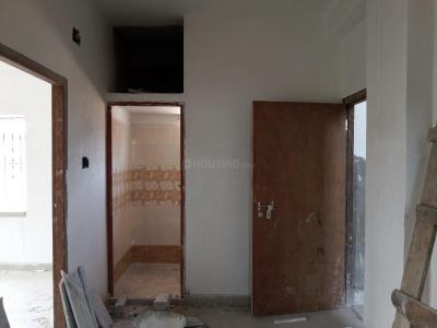 Gallery Cover Image of 760 Sq.ft 2 BHK Apartment for rent in South Dum Dum for 11000