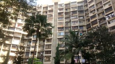 Gallery Cover Image of 700 Sq.ft 1 BHK Apartment for rent in Prabhadevi for 65000