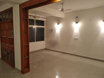 Gallery Cover Image of 1200 Sq.ft 4 BHK Apartment for rent in Sector 10 Dwarka for 35000