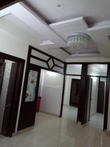 Gallery Cover Image of 550 Sq.ft 1 BHK Independent Floor for buy in Niti Khand for 2500000