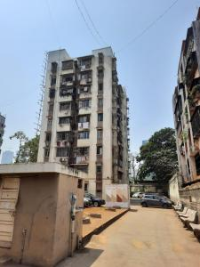 Gallery Cover Image of 700 Sq.ft 1 BHK Apartment for rent in Dadar East for 42000