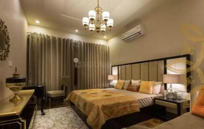 Gallery Cover Image of 817 Sq.ft 2 BHK Apartment for buy in Wadala for 18900000