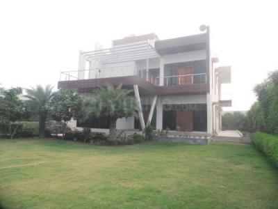 Gallery Cover Image of 43560 Sq.ft 4 BHK Villa for rent in Radhey Mohan Drive for 250000