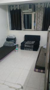 Gallery Cover Image of 600 Sq.ft 1 BHK Apartment for rent in Santacruz West for 45000
