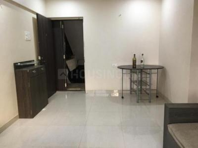 Gallery Cover Image of 650 Sq.ft 2 BHK Apartment for buy in Lokhandwala Green Meadows, Kandivali East for 12000000