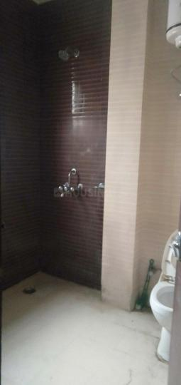 Common Bathroom Image of 950 Sq.ft 1 BHK Independent House for rent in Sector 38 for 15000