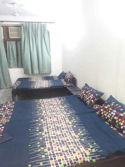 सेक्टर 37 में गर्ल्स पीजी के बेडरूम की तस्वीर