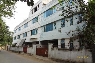 Gallery Cover Image of 14000 Sq.ft 9 BHK Independent Floor for rent in Moosapet for 550000