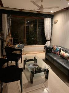 Gallery Cover Image of 1250 Sq.ft 3 BHK Apartment for rent in Gardenia, Malad East for 75000