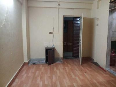 Gallery Cover Image of 300 Sq.ft 1 RK Apartment for rent in Kandivali West for 10000
