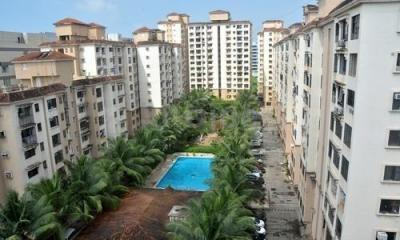 Gallery Cover Image of 1045 Sq.ft 2 BHK Apartment for buy in Palm Court, Malad West for 18000000
