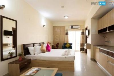 Gallery Cover Image of 425 Sq.ft 1 BHK Apartment for buy in Supertech Ecociti, Sector 137 for 2350000