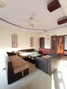 Gallery Cover Image of 1350 Sq.ft 2 BHK Apartment for buy in Shapoorji Pallonji Vicinia, Powai for 19900000