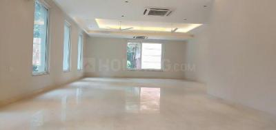 Gallery Cover Image of 4000 Sq.ft 4 BHK Independent Floor for rent in Panchsheel Park for 350000